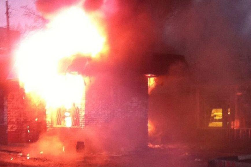 В Харькове горит трамвайная остановка (ФОТО) (фото) - фото 1