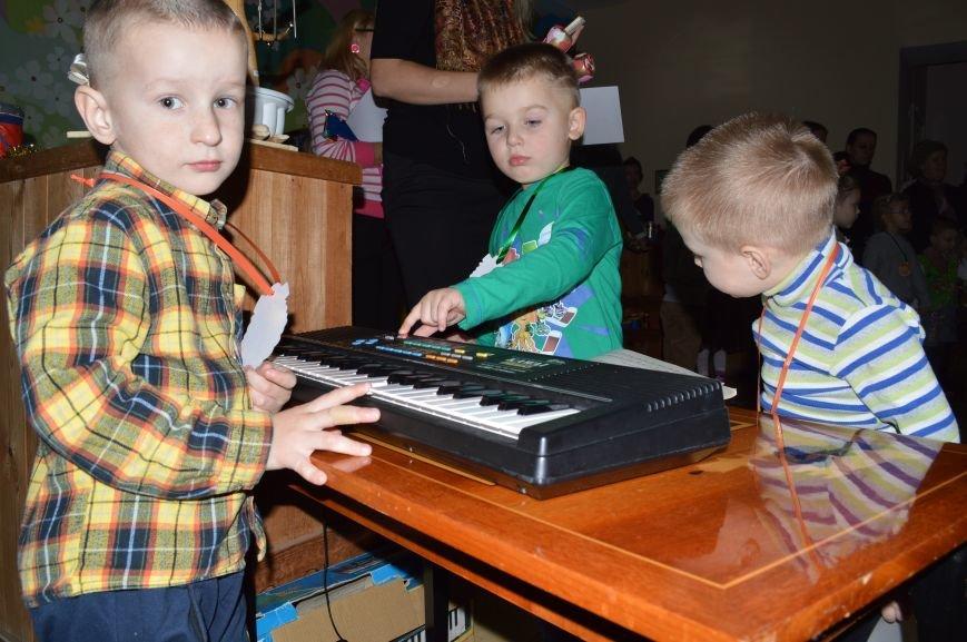 Барабанили і били по стунам гітар: у Житомирі дошкільнята виготовили справжні музичні інструменти, фото-2
