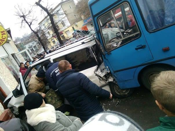На Тернопільщині сталася масова ДТП (фото) (фото) - фото 1