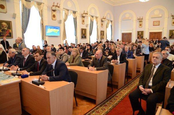 «Новоиспеченные» николаевские депутаты собрались на сессию под возгласы «Слава Украине!» (ФОТО) (фото) - фото 1