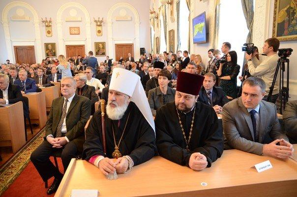 «Новоиспеченные» николаевские депутаты собрались на сессию под возгласы «Слава Украине!» (ФОТО) (фото) - фото 2
