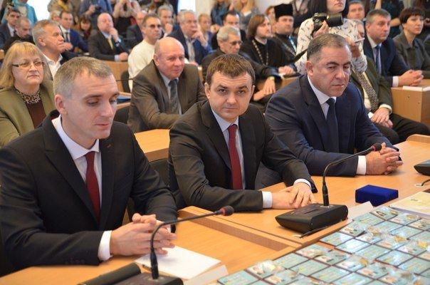 «Новоиспеченные» николаевские депутаты собрались на сессию под возгласы «Слава Украине!» (ФОТО) (фото) - фото 3