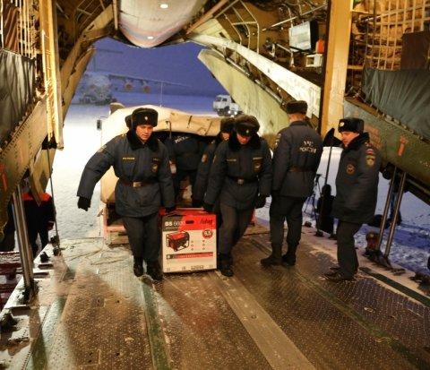 Сегодня МЧС России доставит в Крым 300 мобильных электрогенераторов (ФОТО), фото-2