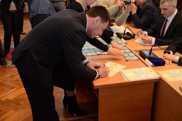 Николаевские депутаты законно «вступили в права» (ФОТО) (фото) - фото 2