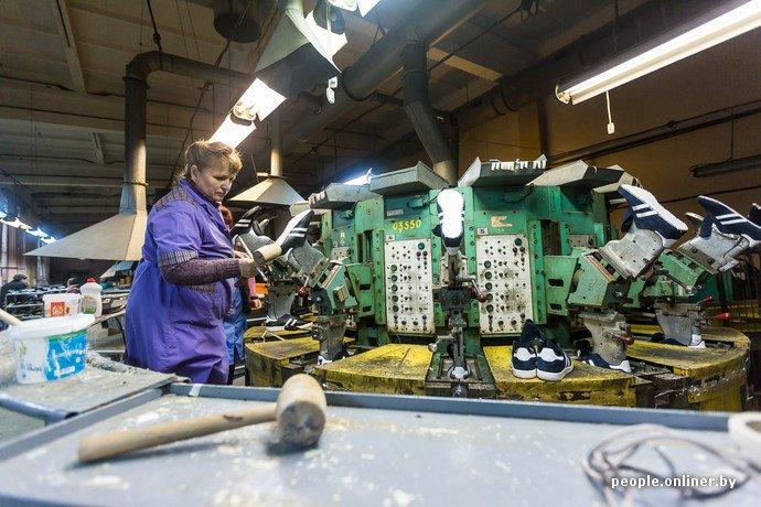 Лидская швейная фабрика: как делают белорусские «адидасы» (фото) - фото 22