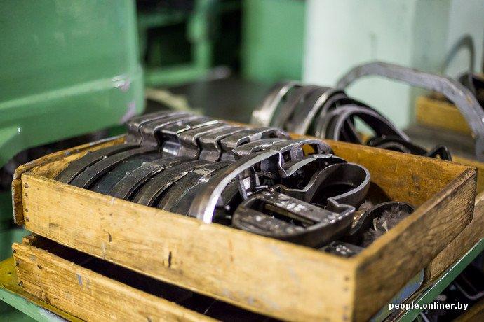 Лидская швейная фабрика: как делают белорусские «адидасы» (фото) - фото 15