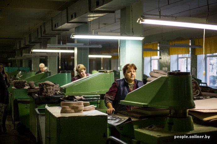 Лидская швейная фабрика: как делают белорусские «адидасы» (фото) - фото 13