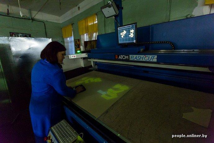 Лидская швейная фабрика: как делают белорусские «адидасы» (фото) - фото 12
