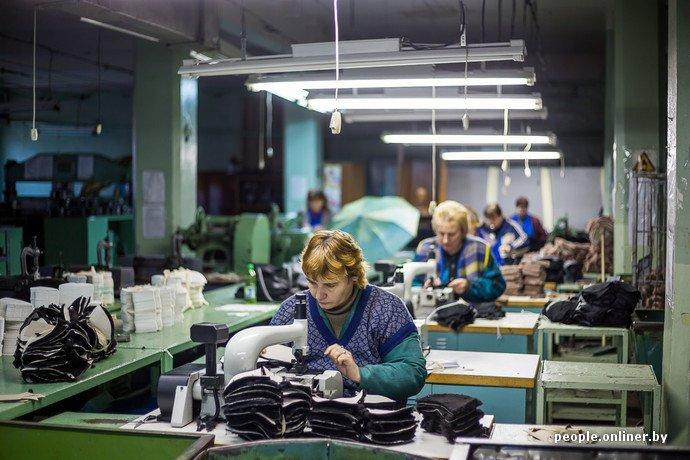 Лидская швейная фабрика: как делают белорусские «адидасы» (фото) - фото 11