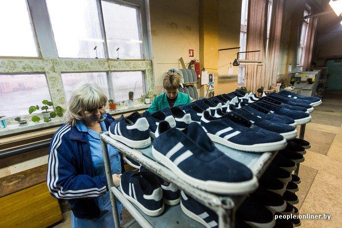 Лидская швейная фабрика: как делают белорусские «адидасы» (фото) - фото 29
