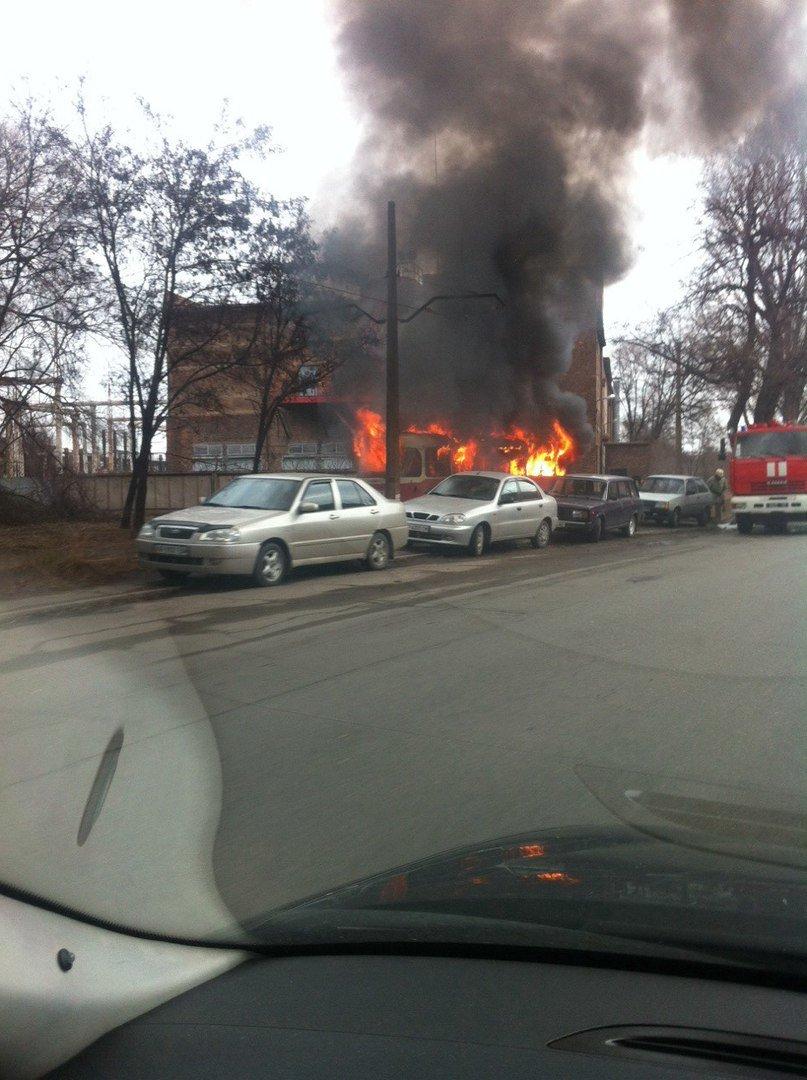 В Запорожье загорелся трамвай, - добавлено видео (фото) - фото 1