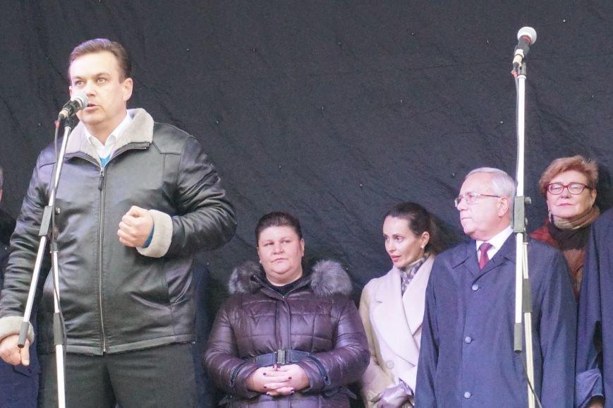 Нардеп: Мы не отдадим Кривой Рог рейдерам из Львова и Днепропетровска или заезжим евро-титушкам (фото) - фото 1
