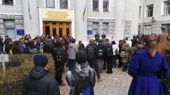 В Харькове студенты устроили революцию (фото) - фото 1