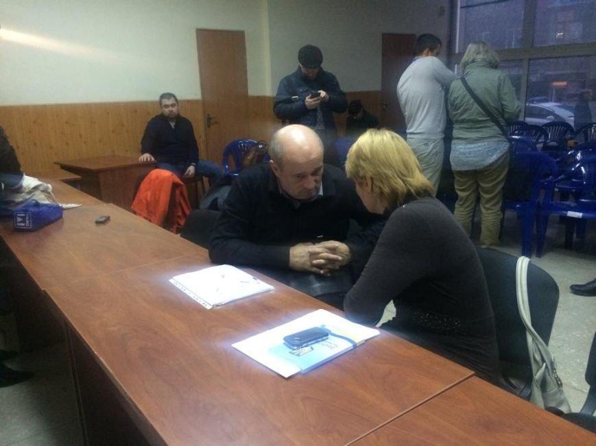 В Мариуполь уже везут бюллетени, а пока избирком регистрирует наблюдателей (ФОТО, Видео), фото-6