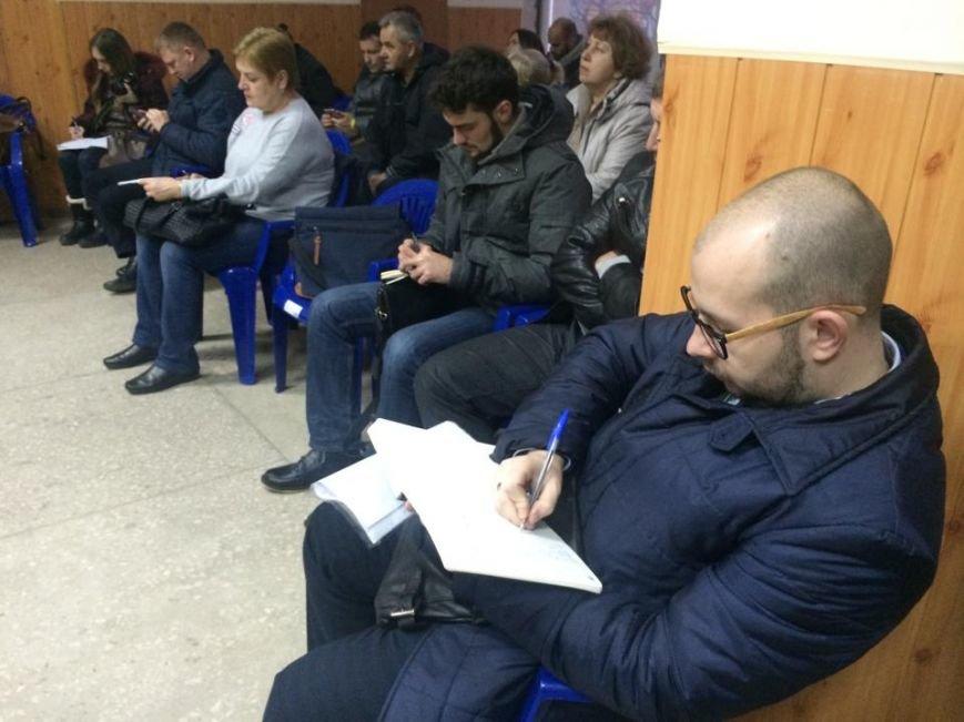 В Мариуполь уже везут бюллетени, а пока избирком регистрирует наблюдателей (ФОТО, Видео), фото-7