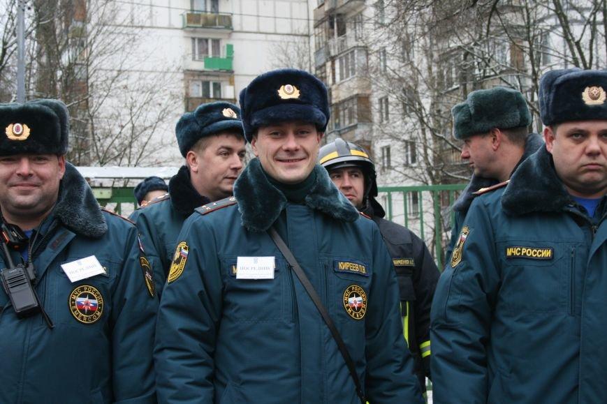 В новой Москве в Троицке  в школе №2 прошли учения МЧС ТиНАО, фото-1