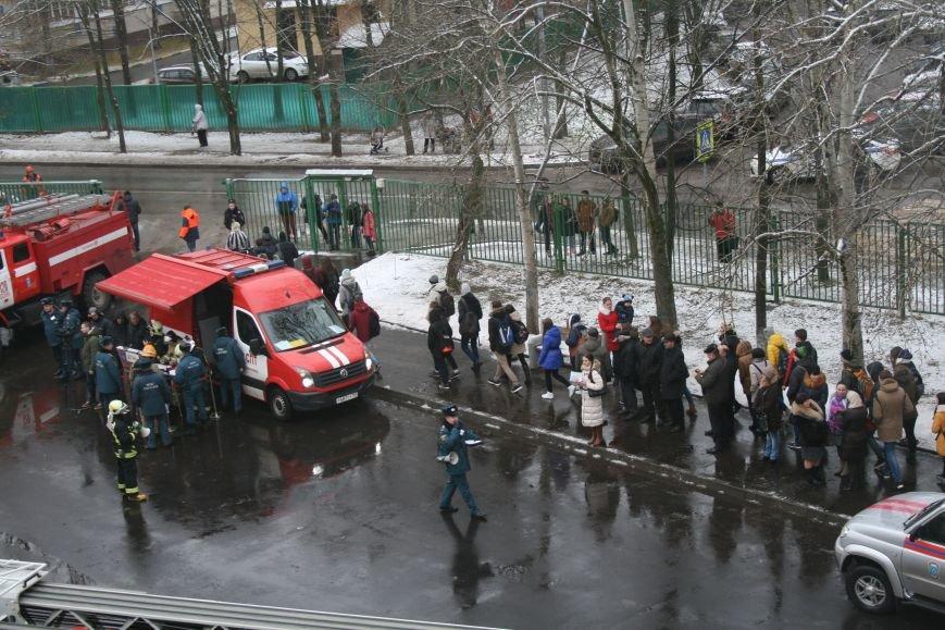 В новой Москве в Троицке  в школе №2 прошли учения МЧС ТиНАО, фото-12