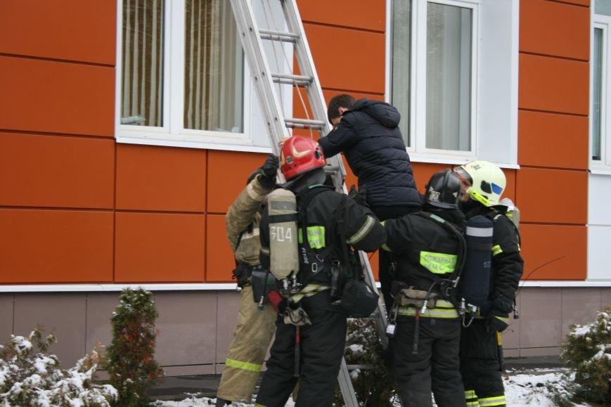 В новой Москве в Троицке  в школе №2 прошли учения МЧС ТиНАО, фото-14