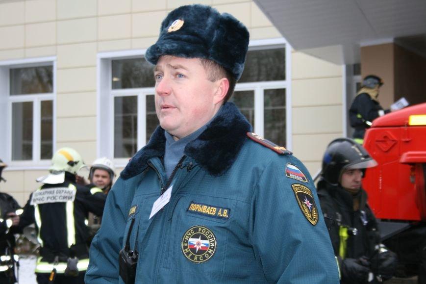 В новой Москве в Троицке  в школе №2 прошли учения МЧС ТиНАО, фото-2