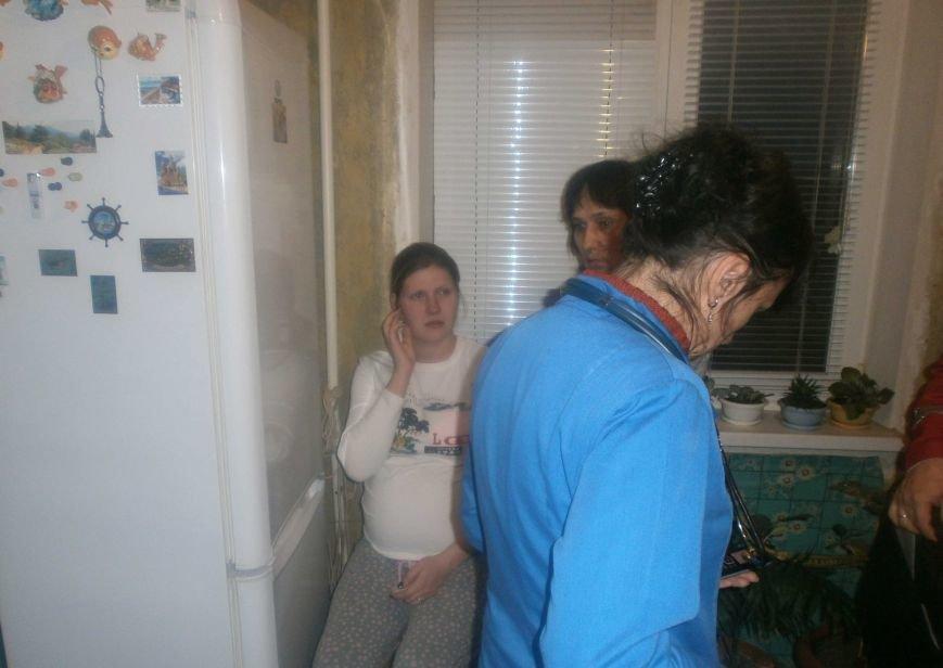 В Киевской области пожарные спасли беременную женщину-самоубийцу (ФОТО) (фото) - фото 2