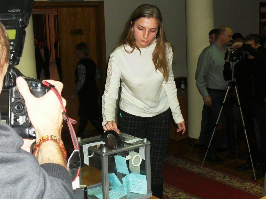 Кременчугский горсовет выбирает себе секретаря (ФОТО) (фото) - фото 1