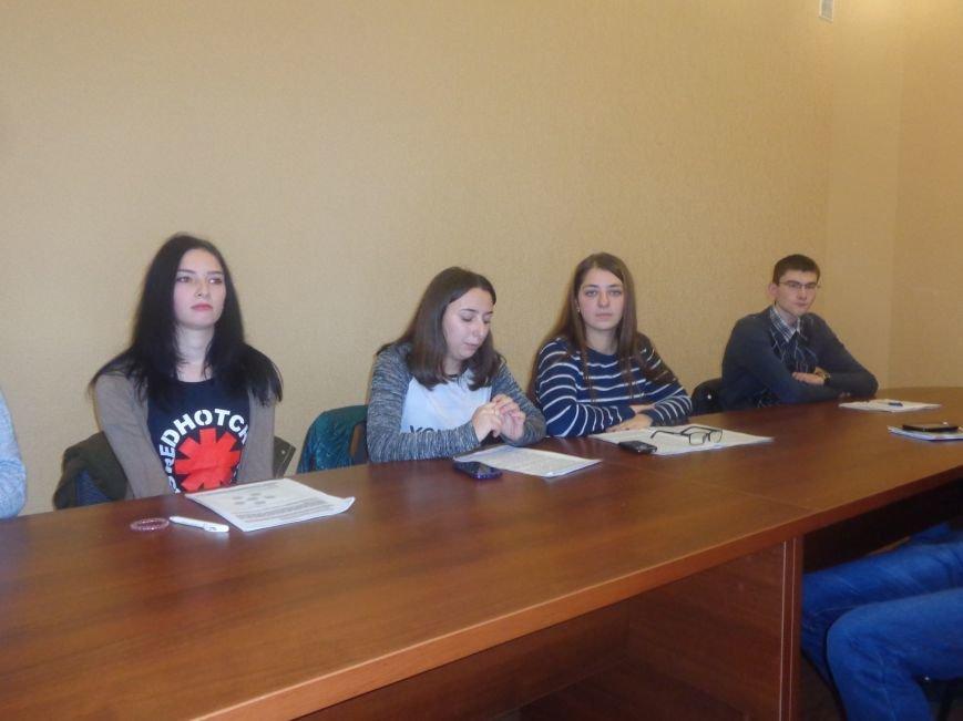 Студенты ДонНТУ Красноармейска обсудили цели и задачи современного аудита в контексте экономики Украины (фото) - фото 5
