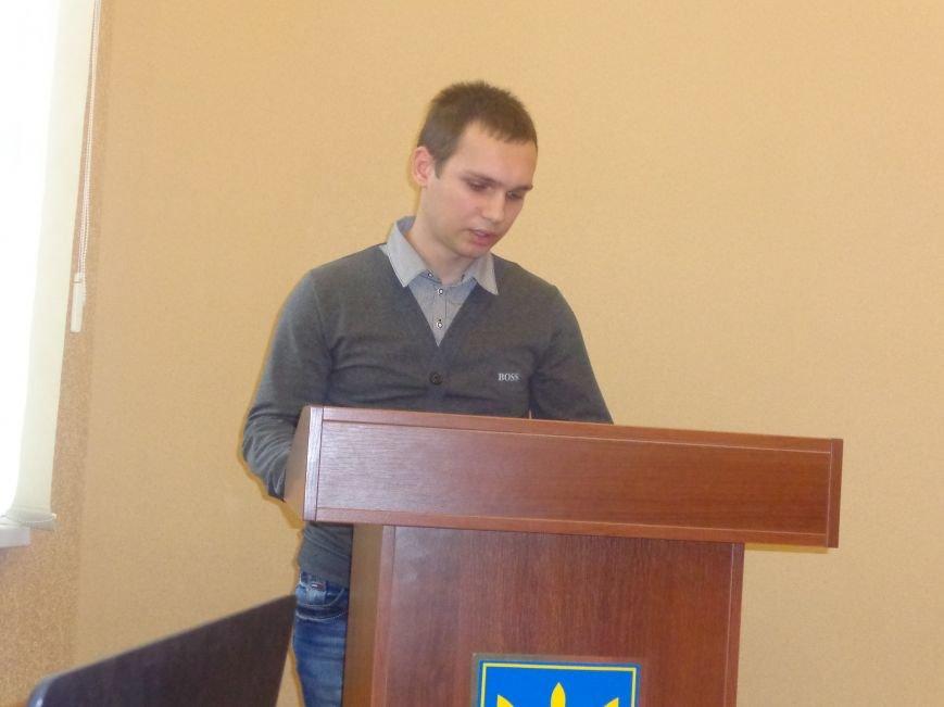 Студенты ДонНТУ Красноармейска обсудили цели и задачи современного аудита в контексте экономики Украины (фото) - фото 3