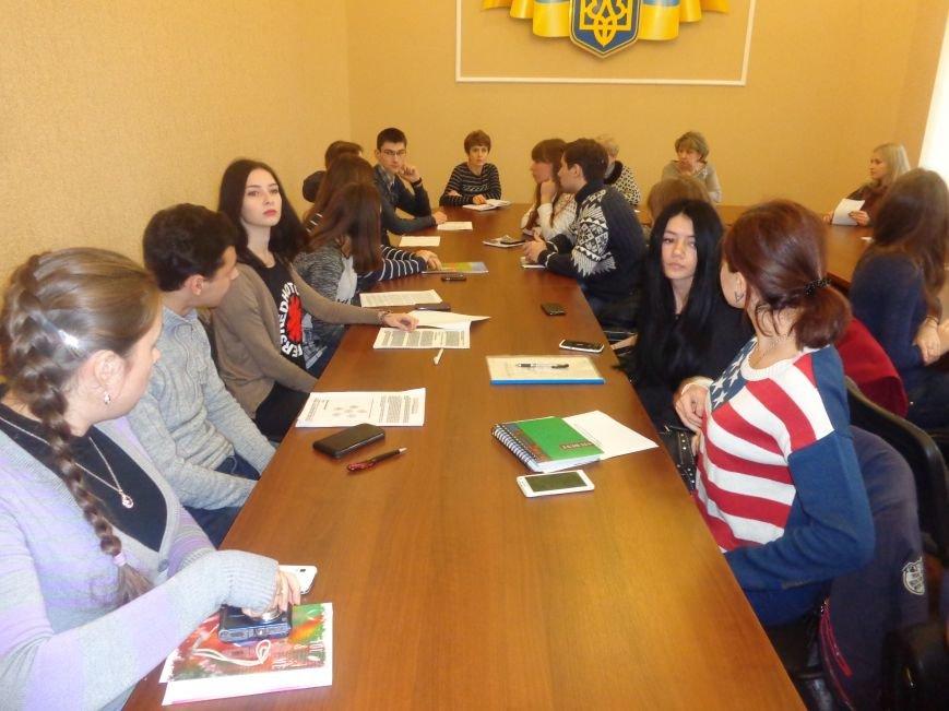Студенты ДонНТУ Красноармейска обсудили цели и задачи современного аудита в контексте экономики Украины (фото) - фото 2
