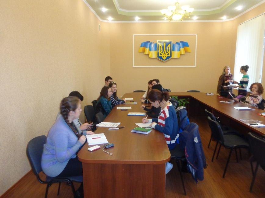 Студенты ДонНТУ Красноармейска обсудили цели и задачи современного аудита в контексте экономики Украины (фото) - фото 1