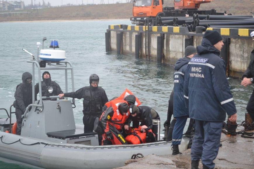 c00fb2bfd9c6afbeb46cde7094745834 Под Одессой спасатели смоделировали кораблекрушение, чтобы спасти всех