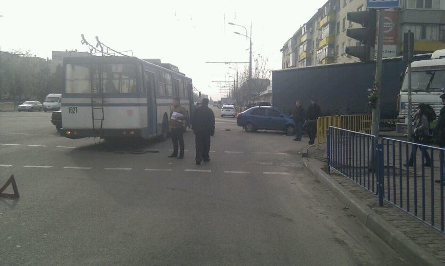 Тройное ДТП в Днепропетровске: столкнулись троллейбус, «МАЗ» и «Чери Джага» (ФОТО, ПОДРОБНОСТИ), фото-7