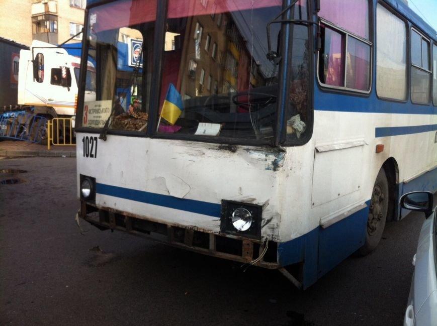 Тройное ДТП в Днепропетровске: столкнулись троллейбус, «МАЗ» и «Чери Джага» (ФОТО, ПОДРОБНОСТИ), фото-4
