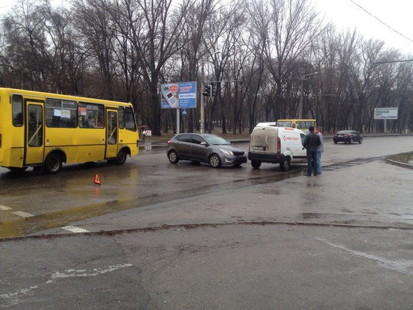 ДТП в Днепропетровске: столкнулись Renault Kangoo и KIA Cerato (ФОТО), фото-4