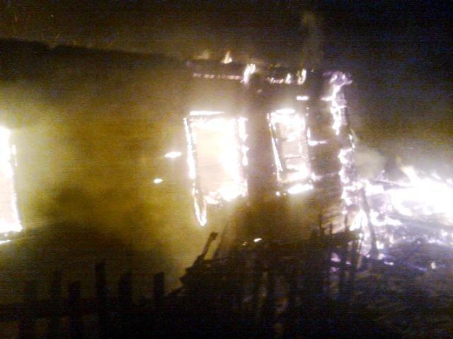На Житомирщине соседи вынесли с горящего дома спящую хозяйку (фото) - фото 2