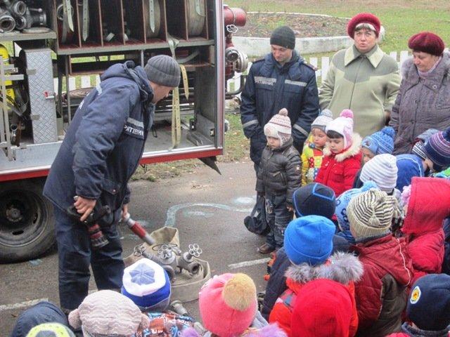 В Емильчино спасатели научили школьников азам безопасности, фото-3