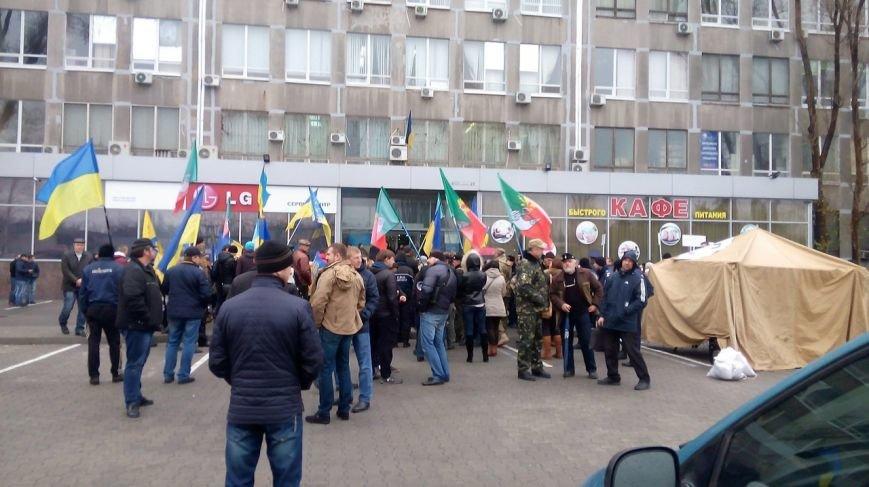 В Днепропетровске под зданием Апелляционного суда два криворожских митинга: «За стабильность» и «Против фальсификаций»(ФОТО) (фото) - фото 4