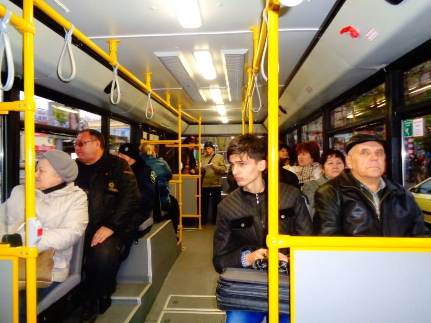 По Гагарина с комфортом: в Днепропетровске на маршрут запустили новые троллейбусы (ФОТО) (фото) - фото 1
