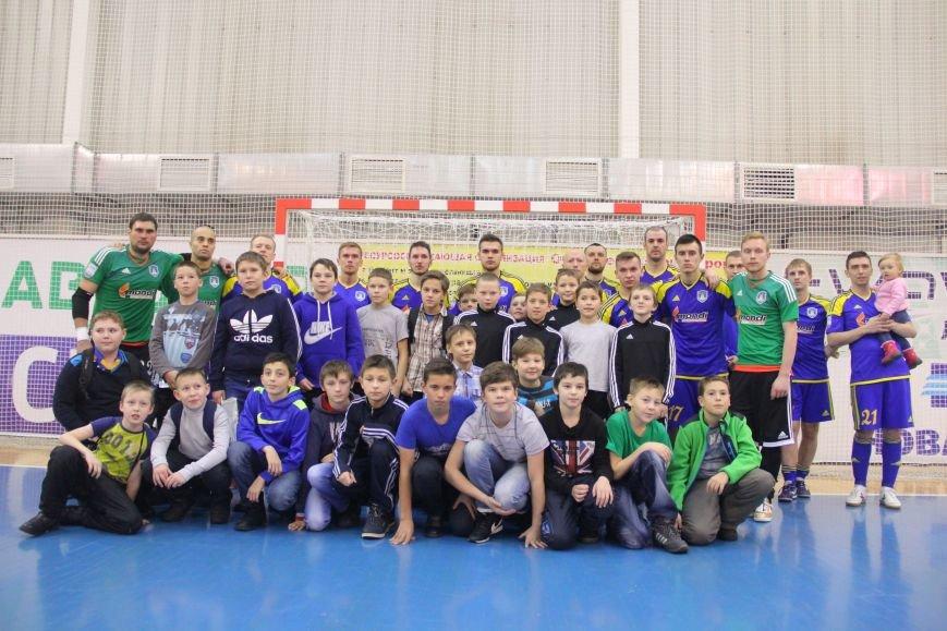 Сыктывкарские футболисты проиграли московским «коммунистам», фото-1