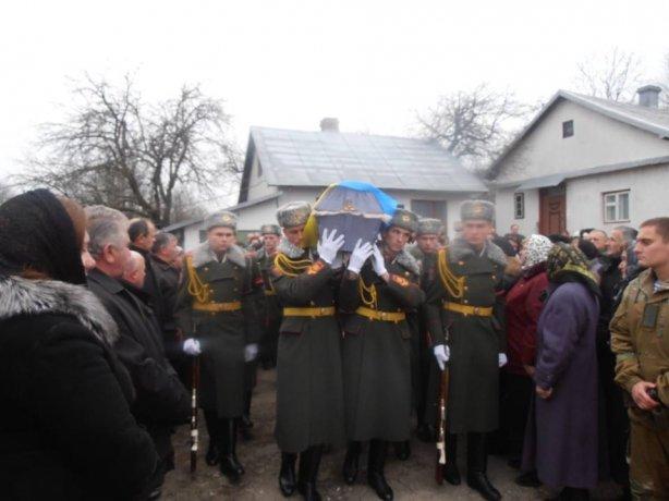 Львівщина провела в останню дорогу Андрія Білика, який трагічно загинув у зоні АТО (ФОТО) (фото) - фото 2