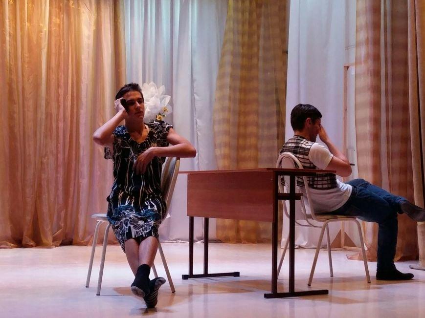 В Новошахтинске состоялась яркая и веселая игра КВН «Молодежь рулит» (фото) - фото 2