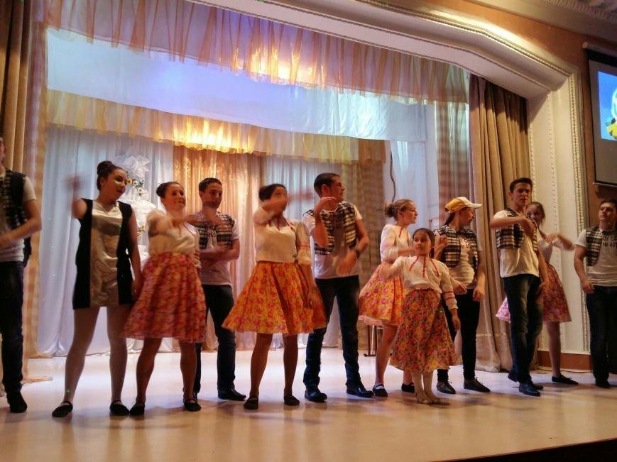 В Новошахтинске состоялась яркая и веселая игра КВН «Молодежь рулит» (фото) - фото 8