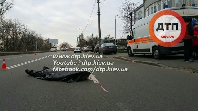 ДТП на Белицкой: женщину насмерть сбило полицейское авто (ФОТО), фото-1