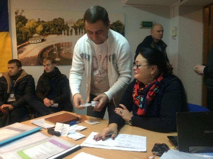 В Мариуполе начался процесс выдачи бюллетеней участковым комиссиям (ФОТО, ВИДЕО), фото-2