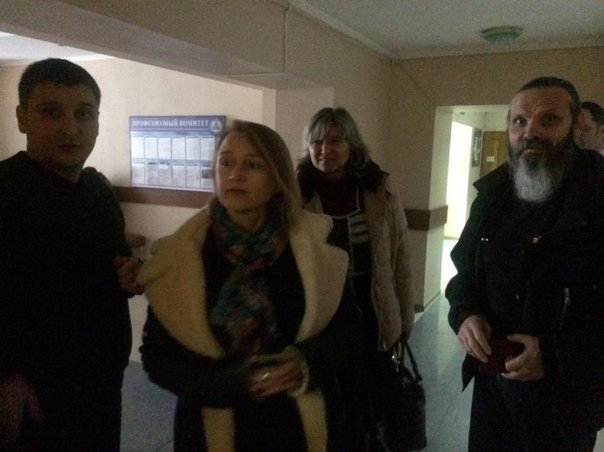 В Мариуполе начался процесс выдачи бюллетеней участковым комиссиям (ФОТО, ВИДЕО), фото-5