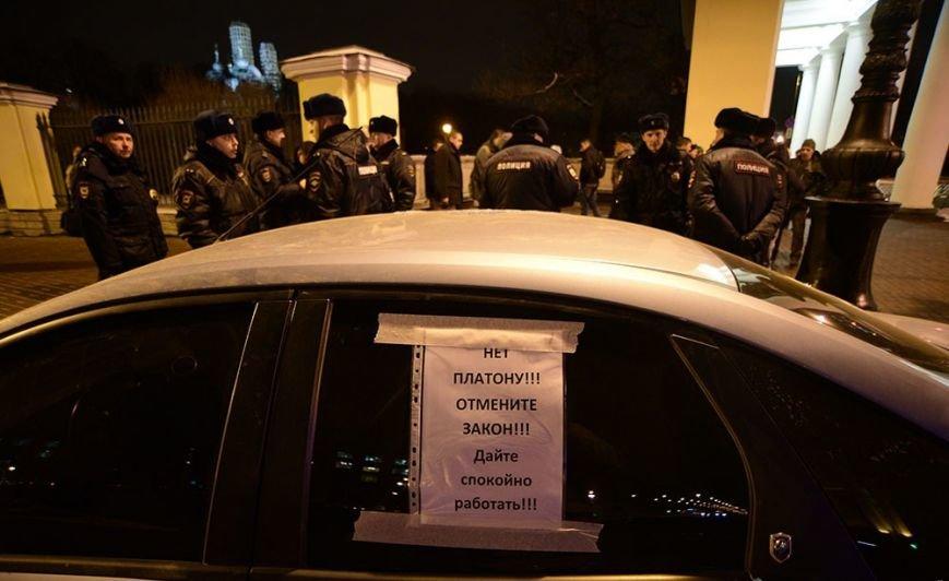 Петербургские дальнобойщики снова бастовали на Московском шоссе (фото) - фото 1