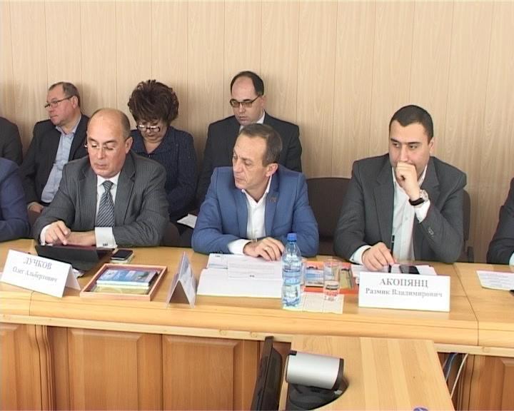 В Армавире состоялось заседание городской Думы (фото) - фото 1