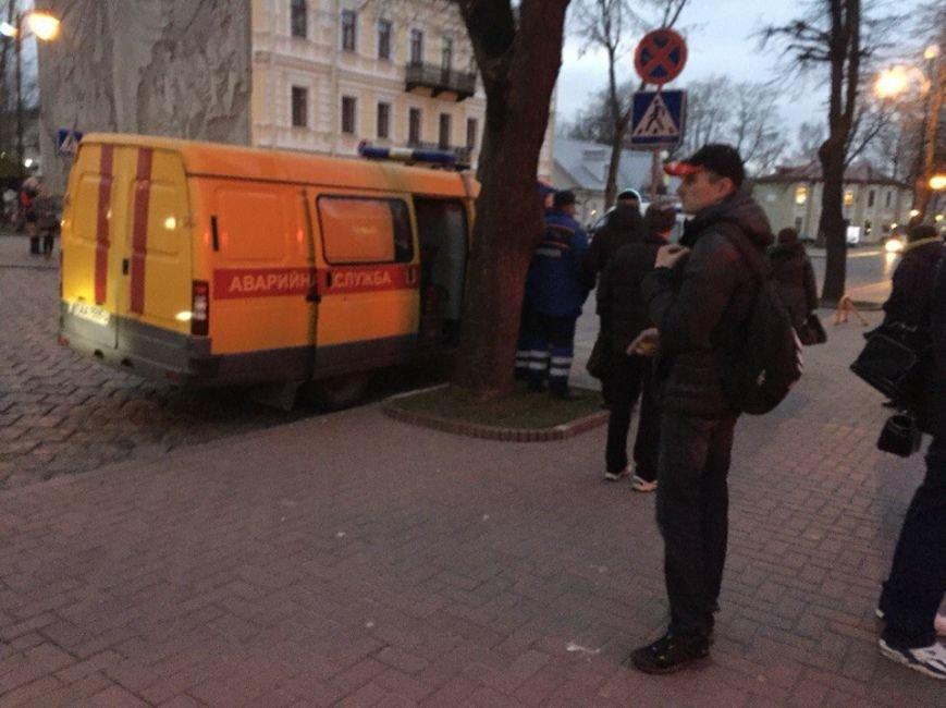 В Гродно на улице Ожешко нашли подозрительно взрывоопасный предмет (фото) - фото 4