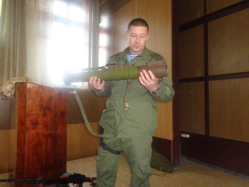Учащиеся Димитрова увидели, как служит и защищает местная полиция (фото) - фото 4