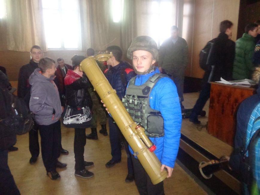 Учащиеся Димитрова увидели, как служит и защищает местная полиция (фото) - фото 5