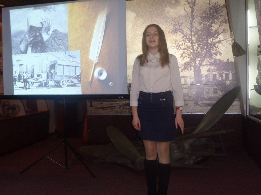 «Поэт всегда в строю»: Красноармейский исторический музей почтил память талантливого поэта-фронтовика Степана Таманова (фото) - фото 2